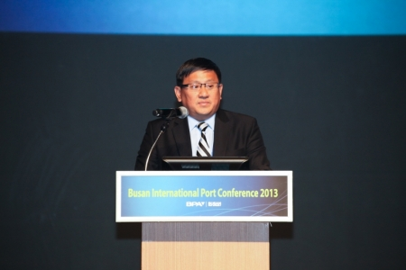Mr. Peter TAN, Ambassador of Singapore to the Republic of Korea