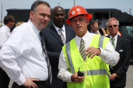 Governor Tim Kaine tours Norfolk International Terminals